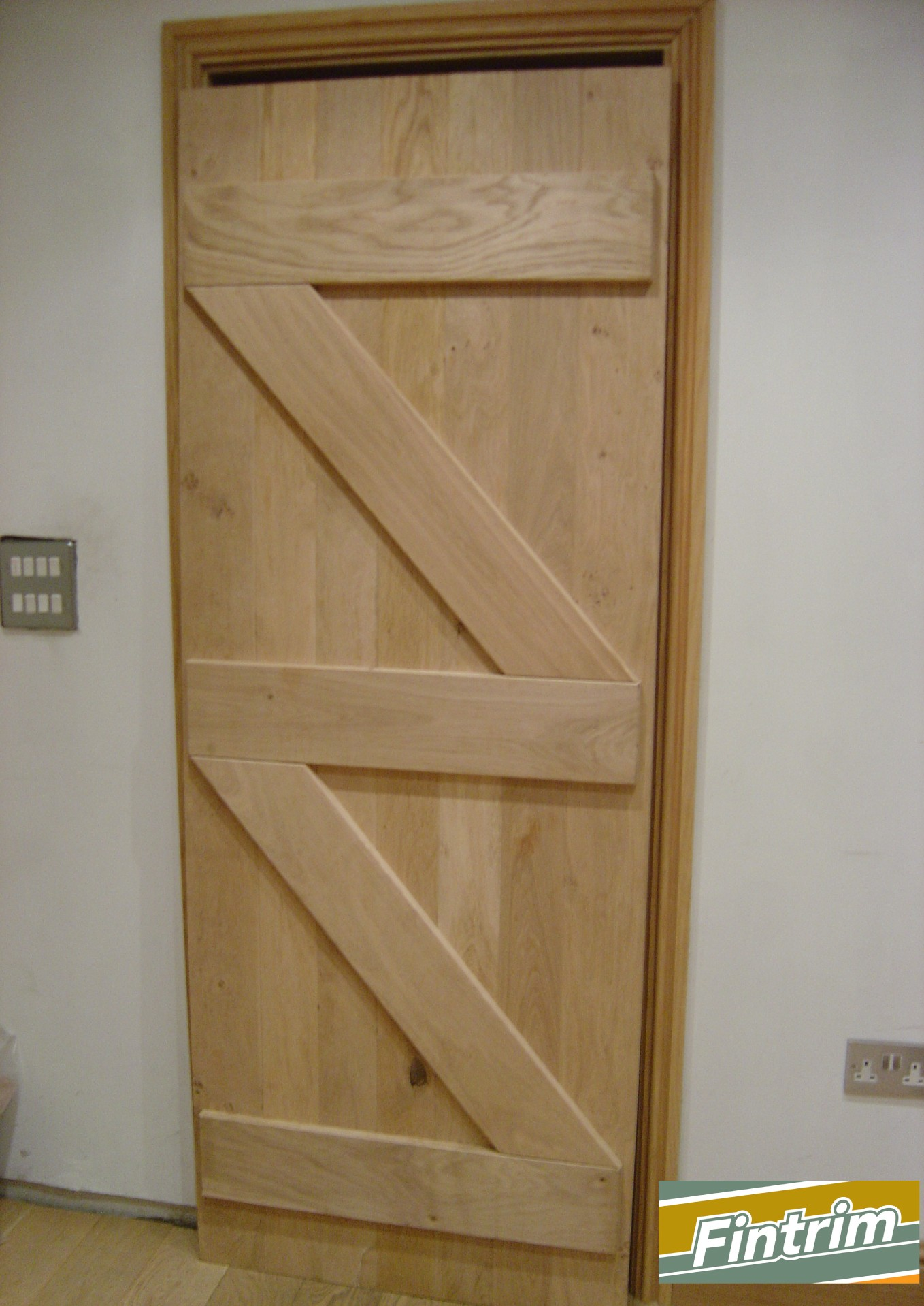 Traditional Oak Ledge And Brace Door